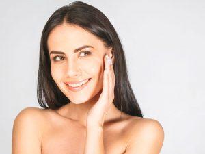 Estimular a firmeza da pele com banco de colágeno – Dra. Sheila Matielo